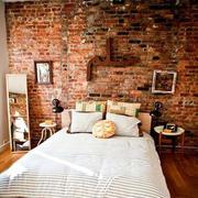 红色旧砖拼接式背景墙
