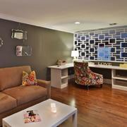 欧式客厅镂空式隔断设计