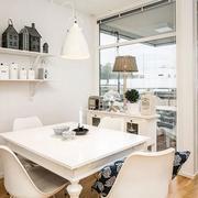 北欧客厅玻璃隔断设计