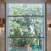简约实用型大面积飘窗设计