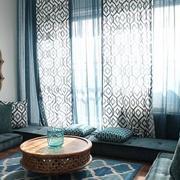 客厅蓝色窗帘