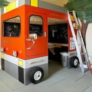 汽车图案型儿童房