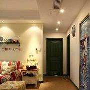 美式风格之房间窄门设计