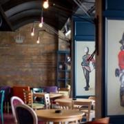 酒吧墙画设计