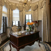 豪华型别墅客厅窗帘