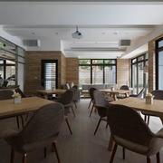 别墅内餐桌设计