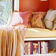 浓烈式彩色卧室飘窗设计