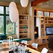 混搭色客厅装饰架