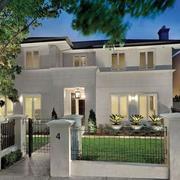 两层房屋带庭院设计