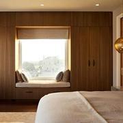 欧式别墅卧室飘窗