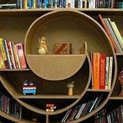 内部造型独特的书架设计