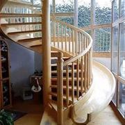 木质旋转式楼梯造型