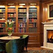 欧式油画色彩式书房设计
