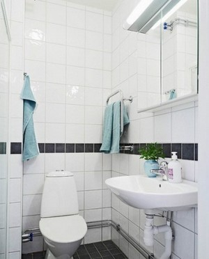 白色厕所洗手间