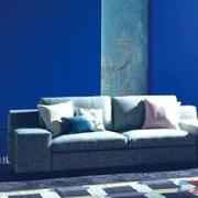 蓝色油漆背景墙