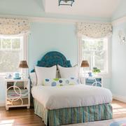 湖蓝色卧室田园装饰