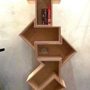 小屋造型的书架