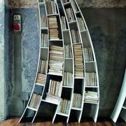 倾斜式书架造型