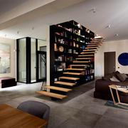 楼梯旁创意书柜设计
