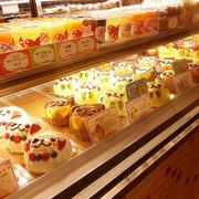 糕点店内部陈列图