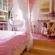淡粉色卧室床品设计