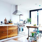 16平精致现代型厨房吧台设计