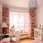 粉白色主题小卧室装修设计