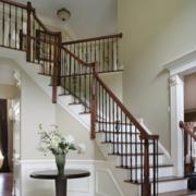 复式楼客厅木质楼梯设计