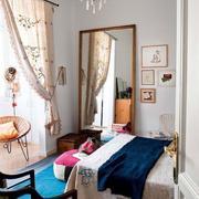 30平米小户型卧室飘窗设计