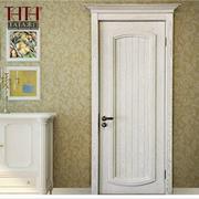 白色木质门大理石墙设计
