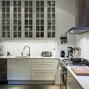 朴素淡雅型厨房装修