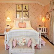 浪漫裸色系小卧室
