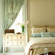 柔和系小卧室设计