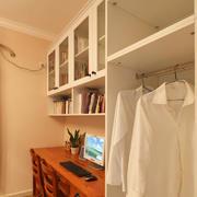 白色简约式衣橱设计效果图