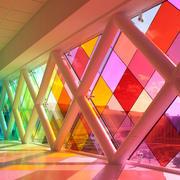 大型走廊过道玻璃艺术品设计