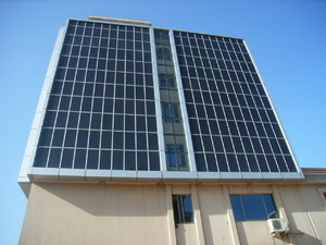大型户外办公楼玻璃效果