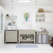 现代化干净整洁性厨房设计