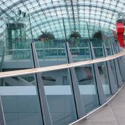 机场候机区玻璃栏杆设计
