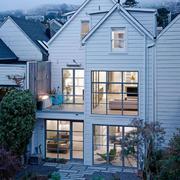 白色小型自建小别墅设计