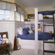儿童房白色双层床设计