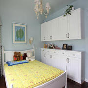 欧式清新亮丽型女生卧室