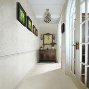 过道白色瓷砖背景墙设计