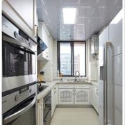 金属质感的开放式厨房设计