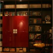 深棕色小户型书房书架图片