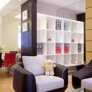 简约式客厅漆皮沙发设计