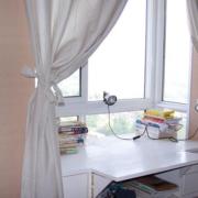 小型白色阳台飘窗设计