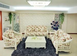 白色典雅型大户客厅设计