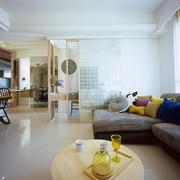 简洁高雅型客厅墙面设计