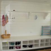 白色独立性格子铺鞋柜设计