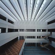 图书馆白色大户型钢架设计